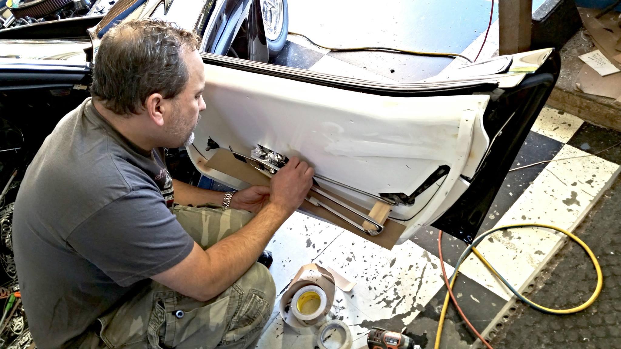 Gallery pro auto custom interiors for Auto interior customizing shops